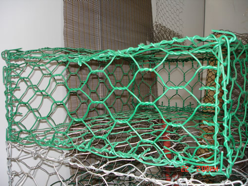 Vinyl Coated Chicken Netting Cages