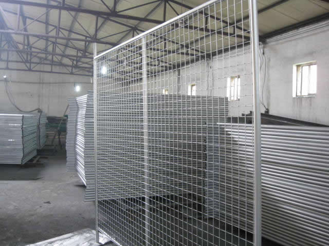 Hot Dipped Galvanized Mesh Panels for Mobile Crowd Control Barriers