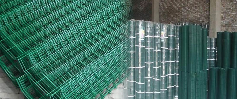 PVC Coated Galvanized Welded Mesh Airport Fence